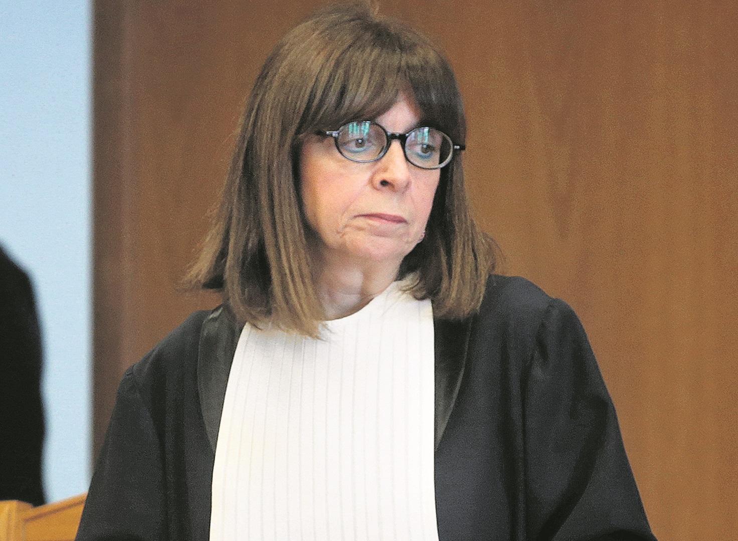 Η πρόεδρος του Συμβουλίου της Επικρατείας Αικατερίνη Σακελλαροπούλου , προεδρεύει σε συνεδρίαση της Ολομέλεια του Ανώτατου Ακυρωτικού Δικαστηρίου, Παρασκευή 1 Φεβρουαρίου 2019. Συνεδρίασε η ολομέλεια του Συμβουλίου της Επικρατείας με θέμα την κατάργηση του 13ου και 14ου μισθού των εν ενεργεία δημοσίων υπαλλήλων. ΑΠΕ-ΜΠΕ/ΑΠΕ-ΜΠΕ/Παντελής Σαίτας