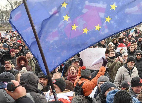 Ανακοίνωση ΜΕΚΕΑ: Από την Ουκρανία, στη Λευκορωσία και την Ευρασιατική Ένωση;